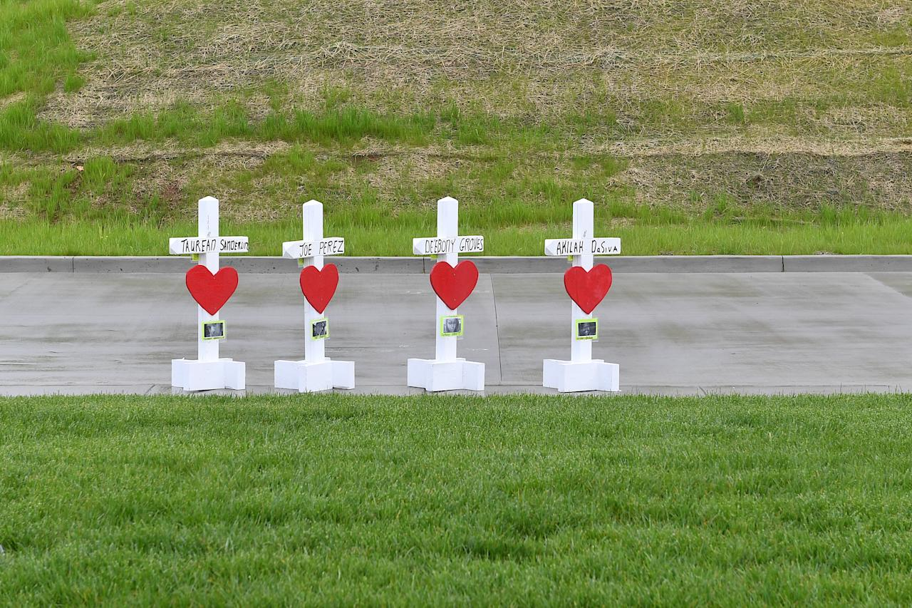 <p>Memorial Crosses are Erected by Greg Zanis with Crosses for Losses as Community members create makeshift memorials for and stop by to pay respects to the victims of the Waffle House shooting on April 24, 2018 in Antioch, Tenn. (Photo: Jason Davis/Getty Images) </p>