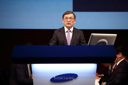 Kwon Oh-Hyun, chief executive officer of Samsung Electronics Co., speaks during the company's extraordinary general meeting of shareholders at the Seocho office building in Seoul, South Korea, on Thursday, Oct. 27, 2016. REUTERS/SeongJoon Cho/Pool
