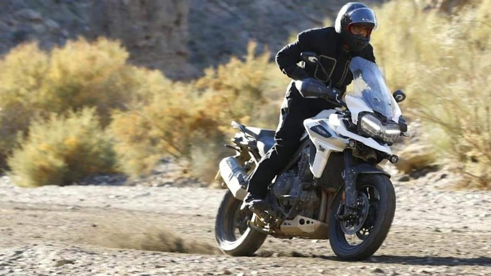 Triumph Tiger 1200 spied: Updated design and engine expected
