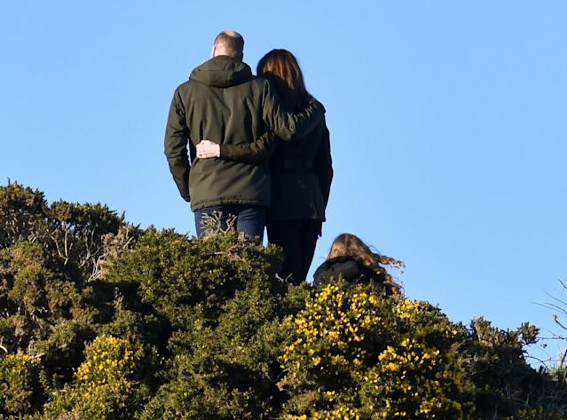 The duke and duchess posed for a picture at the top of the Howth Cliff. (Getty Images)