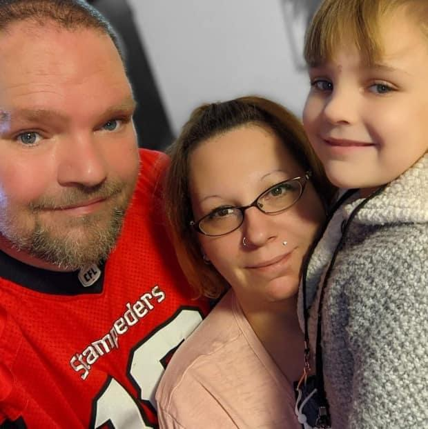 Dave Murphy says his wife and daughter are motivating reasons for him to seek mental health support and increase his mobility through weight loss.