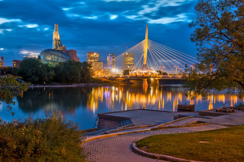 Winnipeg Esplanade Riel Bridge & Canadian Museum for Human Rights (Enviro Foto, Courtesy of Travel Manitoba)