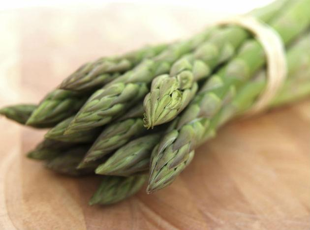 <b>Asparagus </b>is rich in folate and tryptophan. According to recent research, low levels of folate is a condition found common in half of the cases of depression. Our Brain uses Tryptophan to make serotonin, which is mood-stabilizing neurotransmitter.
