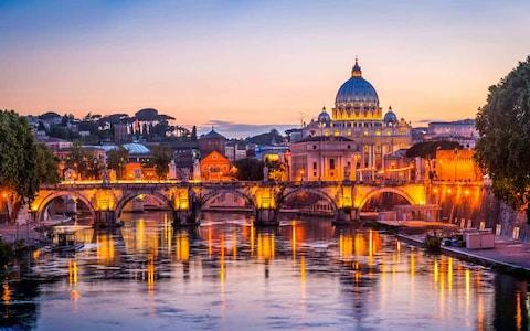 There is no way to avoid romance in Rome - Credit: istock