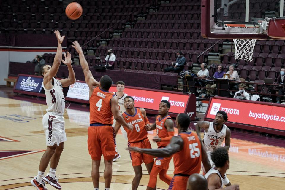 Virginia Tech vs. Clemson: Senior guard Wabissa Bede makes a floater in the lane with under four minutes left in the game. (Yahoo Sports photo)