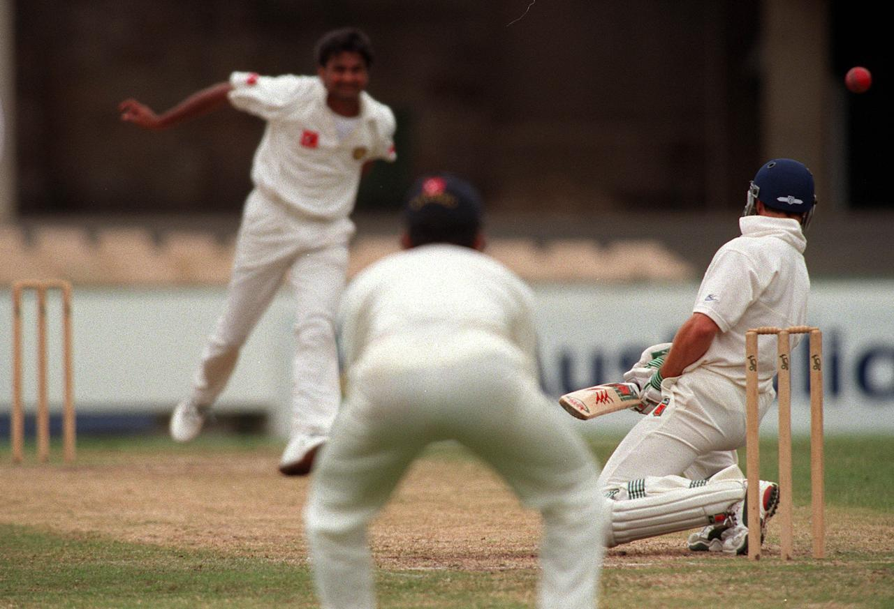 5 Dec 1999:  Javagal Srinath of India bounces Michael Bevan of New South Wales during the match between New South Wales v India at the Sydney Cricket Ground,Sydney Australia. Mandatory Credit: Adam Pretty/ALLSPORT