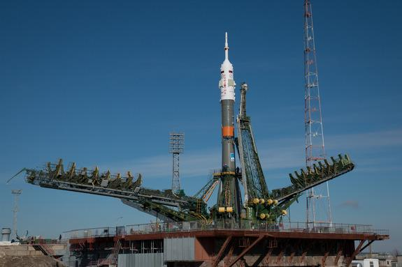 One-Year Space Station Mission Launches Today: Watch It Live