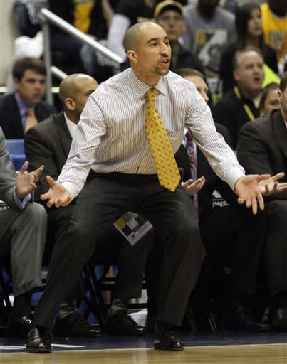 Virginia Commonwealth head basketball coach Shaka Smart during the first half of the Colonial Athletic Association Championship NCAA college basketball game at the Coliseum in Richmond, Va., Monday, March 5, 2012. (AP Photo/Steve Helber)