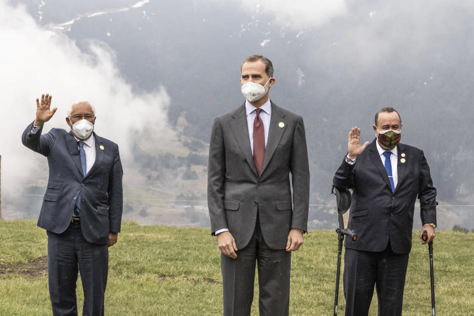 The Prime Minister of Portugal, Antonio Costa, left, Spain's King Felipe VI, center, and the president of Guatemala, Alejandro Gianmattei pose during the Latin American leaders' summit in Canillo, Andorra. (Javier Borrego/Europa Press via AP)