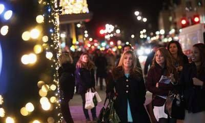 Christmas Shopping Leaves Retailers Nervous