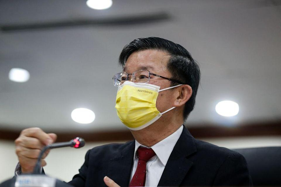Quoting data obtained from the Health Ministry, Penang Chief Minister Chow Kon Yeow said there must be a focus on curbing the spread of the virus within the community.  — Picture by Sayuti Zainudin