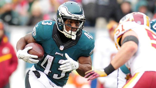Philadelphia Eagles running back Darren Sproles had planned to retire after last season, but will now call it a career after 2018.