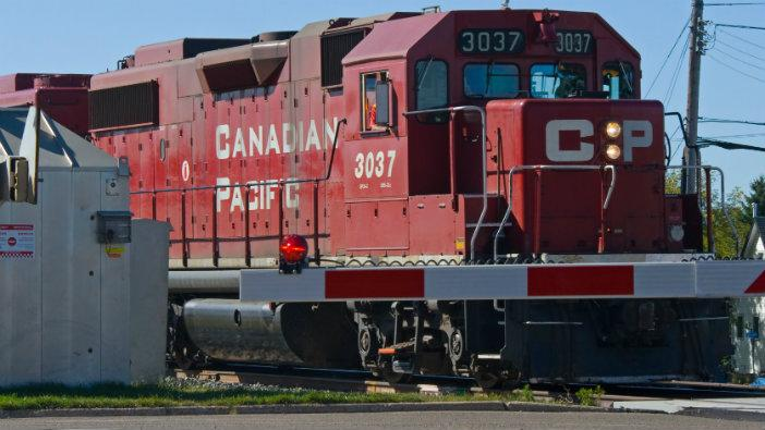 Canadian_Pacific_16-9