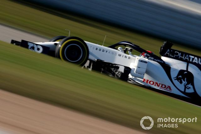 """Pierre Gasly, AlphaTauri AT01 <span class=""""copyright"""">Zak Mauger / Motorsport Images</span>"""