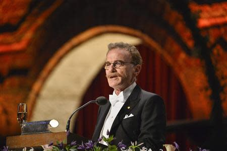 Nobel medicine laureate Randy W. Schekman addresses the traditional Nobel gala banquet at the Stockholm City Hall December 10, 2013. REUTERS/Henrik Montgomery/TT News Agency