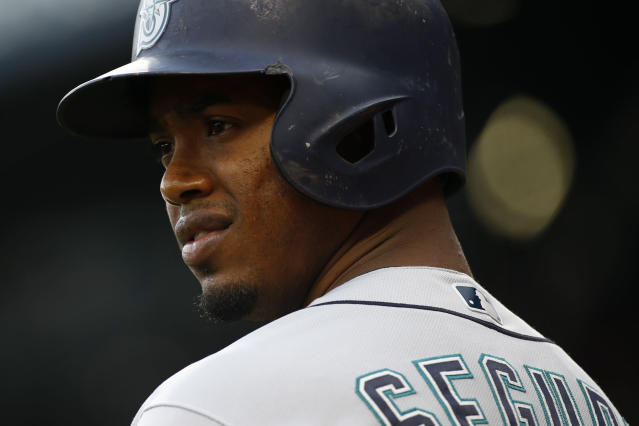 "<a class=""link rapid-noclick-resp"" href=""/mlb/players/9247/"" data-ylk=""slk:Jean Segura"">Jean Segura</a> was among the players reportedly involved in an internal clubhouse fight between <a class=""link rapid-noclick-resp"" href=""/mlb/teams/sea"" data-ylk=""slk:Mariners"">Mariners</a> players on Tuesday. (AP)"