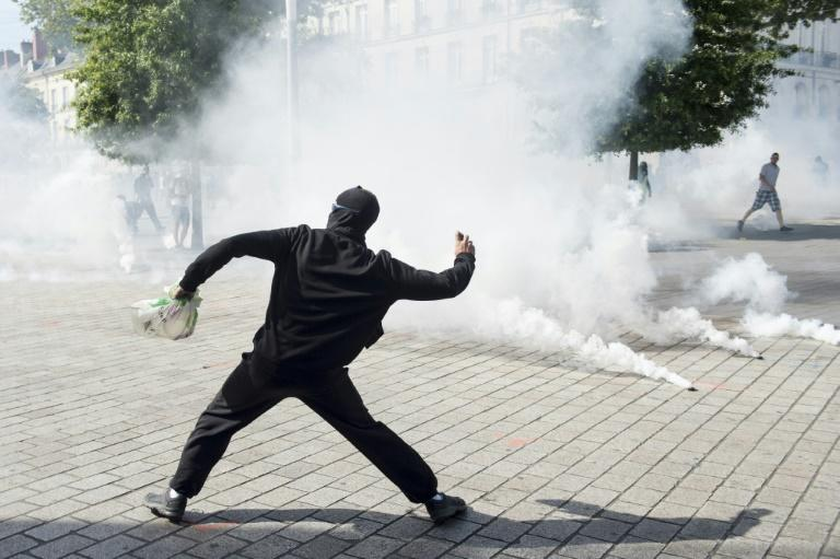 Analysts say the yellow vests were hurt by their refusal to have a clear leader who could put forward a coherent set of demands