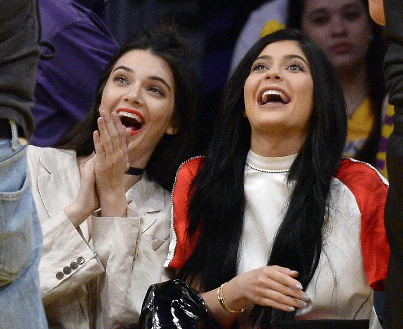 Are harry styles and kendall jenner dating yahoo answers