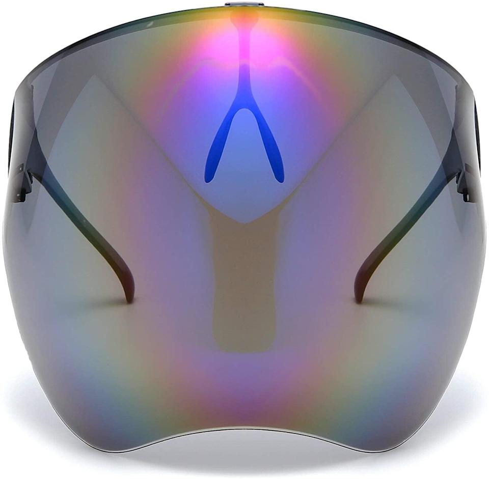<p>Stay protected from the sun in style with these chic <span>Bevi Goggle Sunglasses Visor Full Face Cover UV 400</span> ($20).</p>