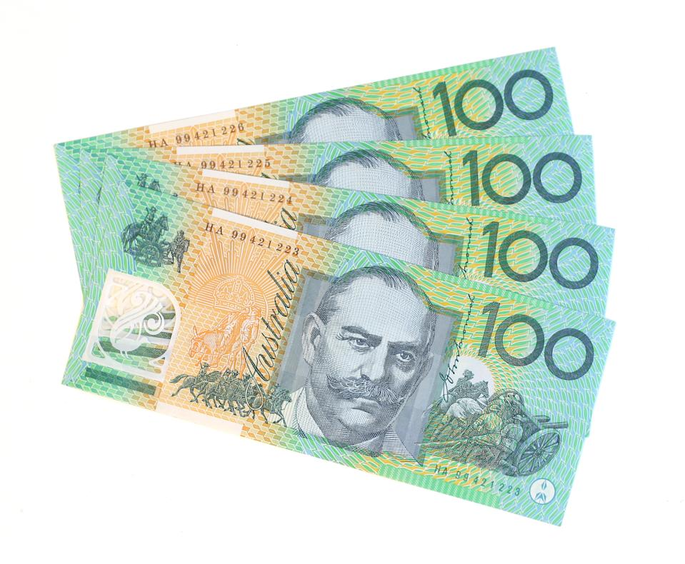 4 Australian $100 notes.Other money pictures: