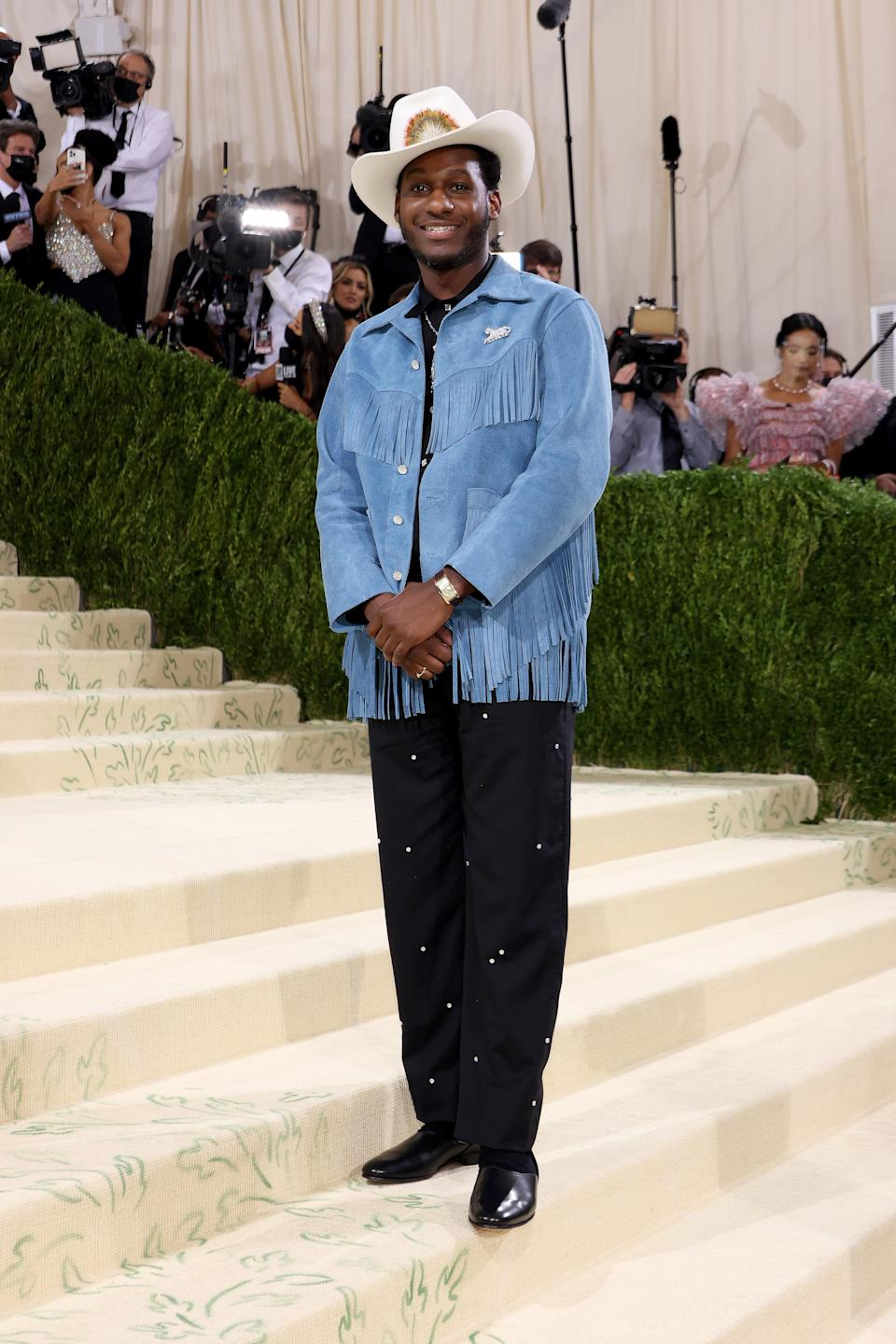Texas singer Leon Bridges brought the essence of the south to the Met ball, also wearing Bode.