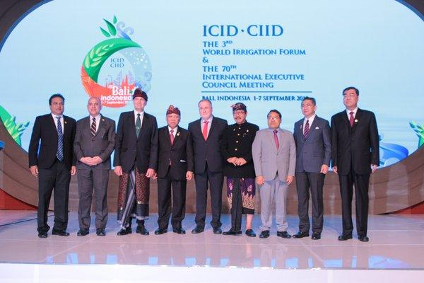 ICID, INACID, Indonesia's Minister of Public Works and Housing, and Ministers of participating countries at the Opening Ceremony this morning.