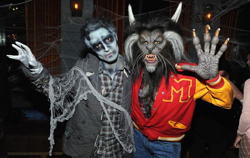 The model dressed up as Michael Jackson as the late singer appeared in his iconic Thriller  sc 1 st  Yahoo7 Be & Heidi Klum dresses as Michael Jackson in Thriller for Halloween