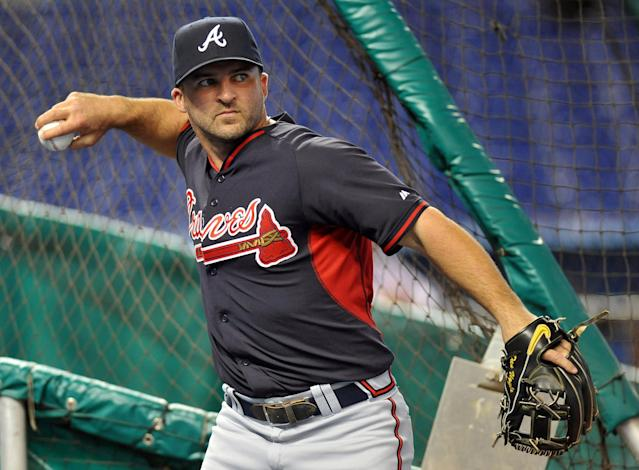 Giants sign Dan Uggla to minor-league deal, attempt to fix second-base woes