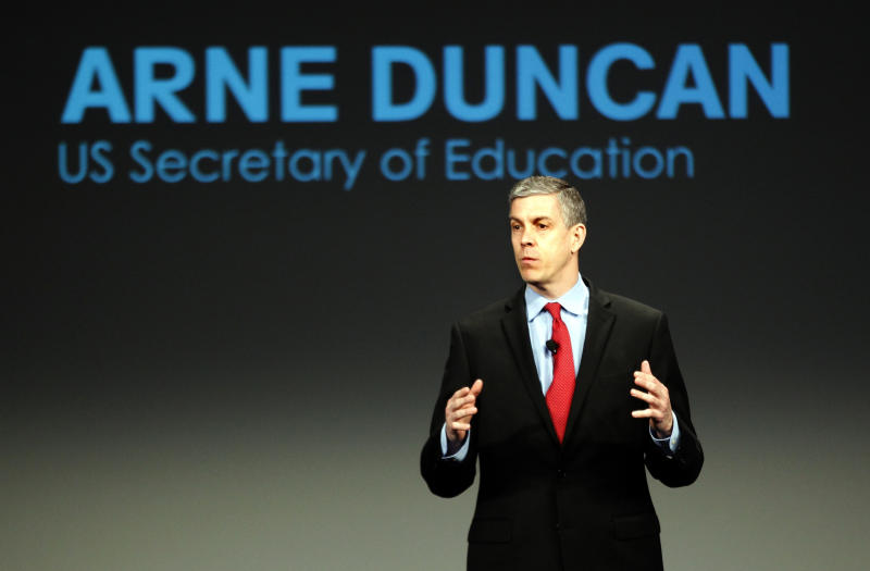 U.S. Secretary of Education Arne Duncan addresses a crowd of teachers and politicians in Chicago, Illinois, U.S. February 28, 2013. REUTERS/Jeff Haynes/File Photo