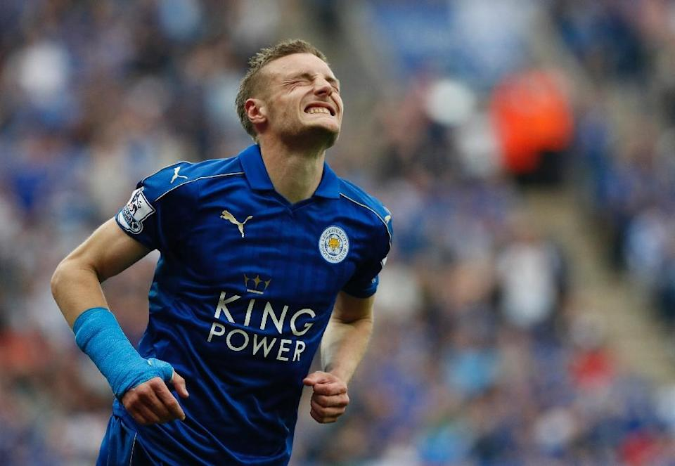 Leicester City's Jamie Vardy trails Tottenham's Harry Kane by just one goal in the race for the Golden Boot, having taken his tally to 24 with a brace in the 3-1 win over Everton last weekend (AFP Photo/Adrian Dennis)