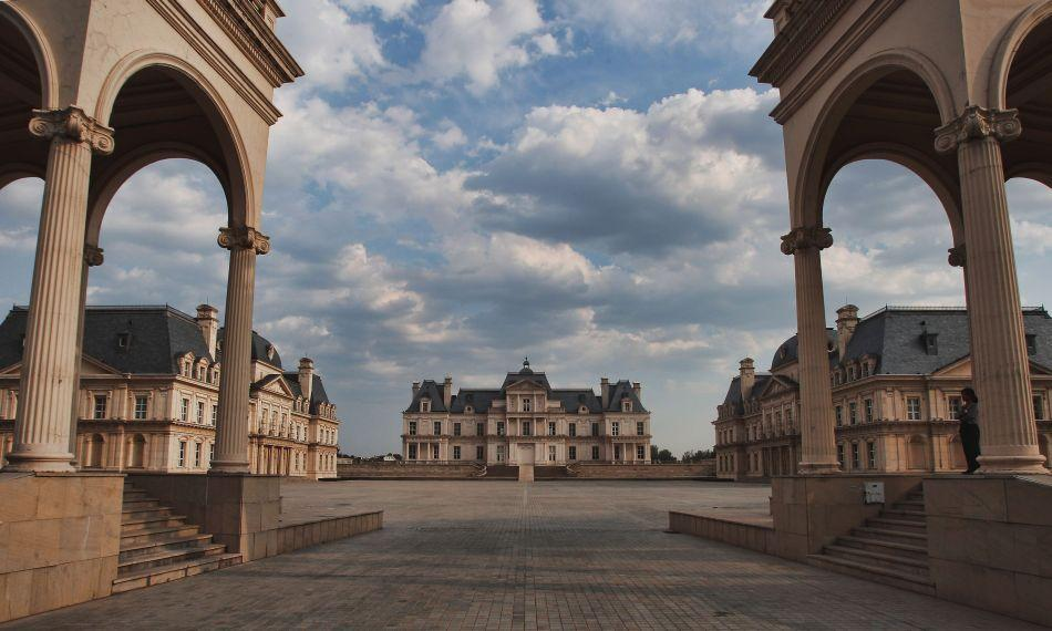 The grand courtyard of the Beijing Laffitte Chateau Hotel, which was built on the outskirts of Beijing upon a vast expanse of wheat fields.