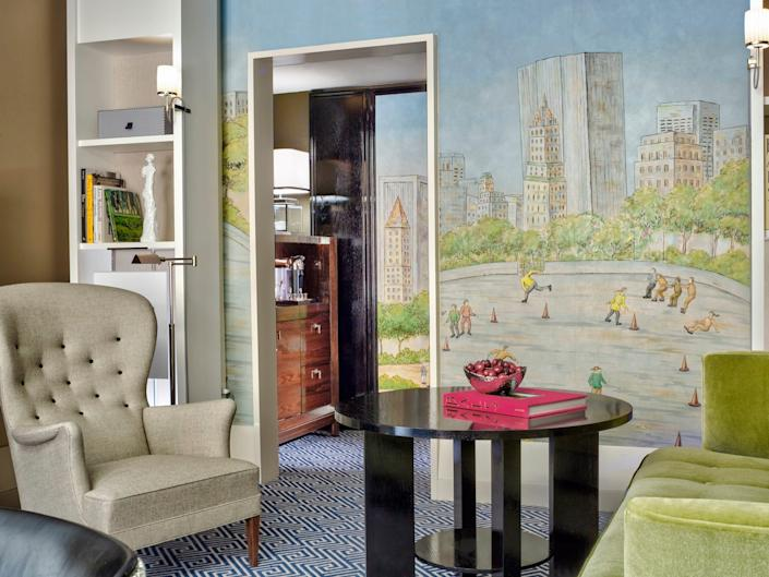 Carlyle Hotel - Premier Suite living room