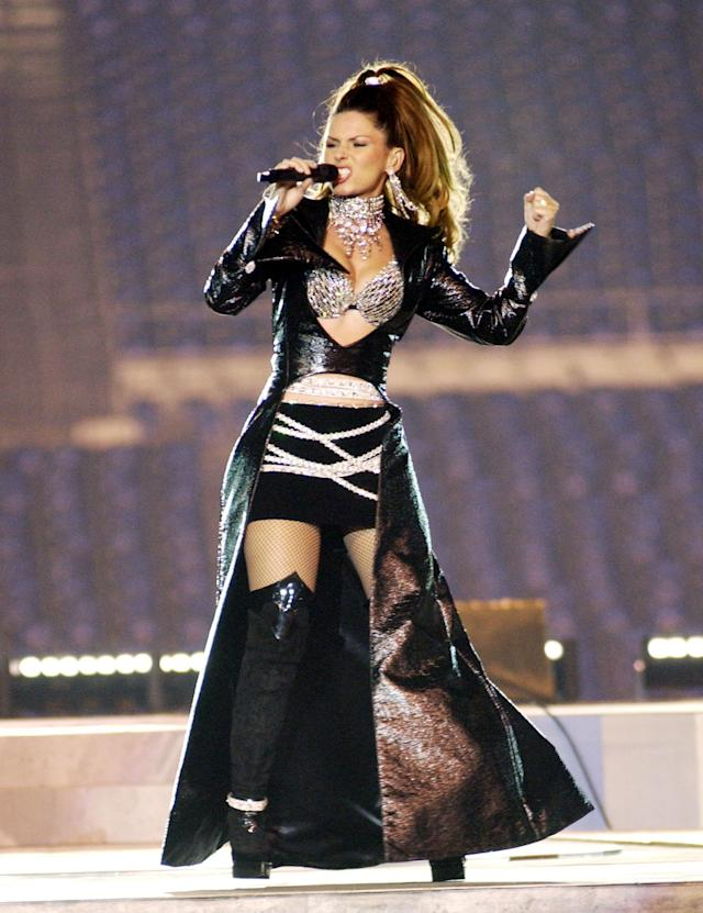 Shania Twain rehearses for Super Bowl XXXVII at Qualcomm Stadium in San Diego, California, United States. (Photo by KMazur/WireImage)