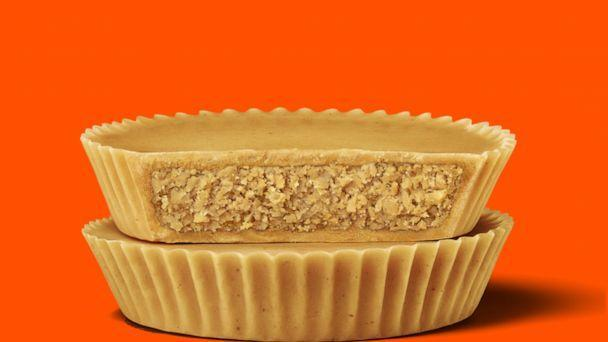 PHOTO: New Reese's Ultimate Peanut Butter Lovers cups will hit shelves in April 2021. (Reese's, Hershey )