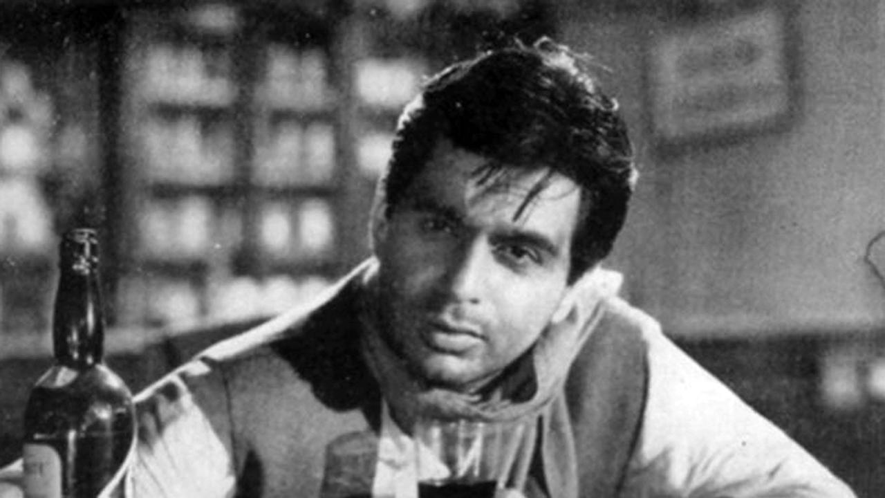 Sarat Chandra Chattopadhyay's ultimate work of love and despair has seen many adaptations, but it is only Dilip Kumar who could stir up the vision of Chattapadyay on screen like no other actor before or after him. The audience of today may swoon over the <em>Devdas </em>essayed by Shah Rukh Khan, but Dilip Kumar's Devdas, without the color and jazz of Bhansali, and with a storm of  emotion evoked through his masterful acting chops, puts SRK's rendition into its place.