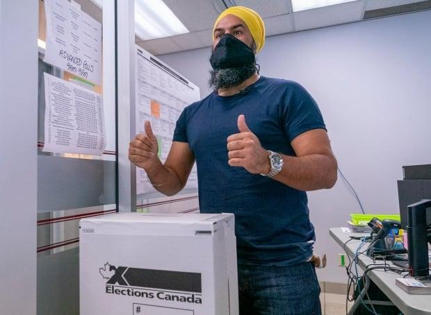 NDP Leader Jagmeet Singh takes part in advanced voting during the Canadian federal election campaign in Burnaby, B.C., on Sept. 10. (Jonathan Hayward/The Canadian Press - image credit)