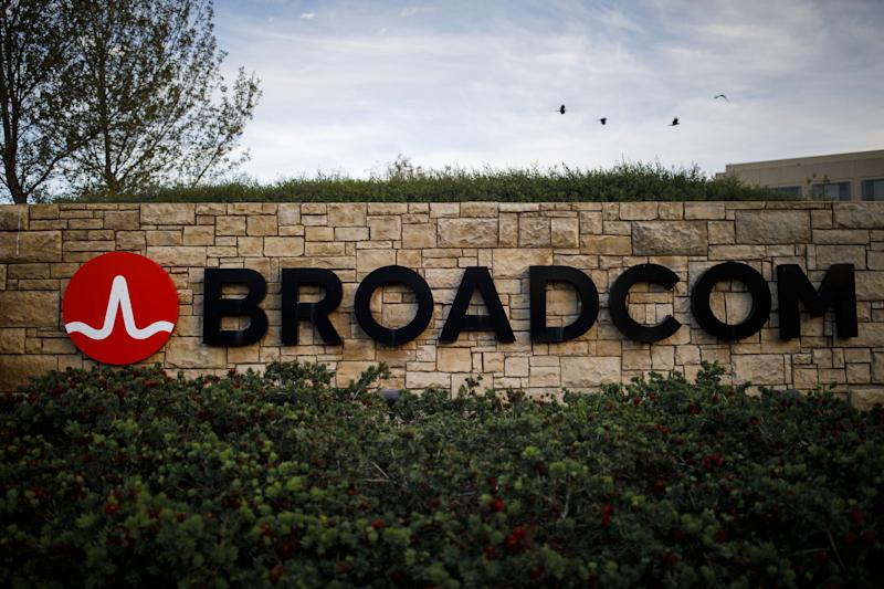 Broadcom Sticks to Lowered 2019 Sales Forecast; Shares Slip