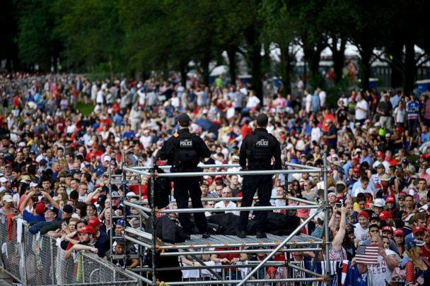 PHOTO: UUS Secret Service stand on guard as people gather on the National Mall ahead of the 'Salute to America' Fourth of July event with US President Donald Trump at the Lincoln Memorial in Washington, DC, July 4, 2019. (Brendan Smialowski/AFP/Getty Images)