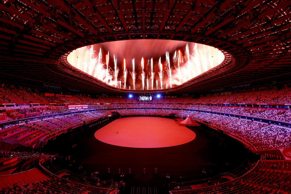 <p>The opening ceremony began with an impressive fireworks display. </p>