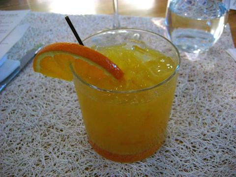 Screwdriver cocktail drink orange juice vodka