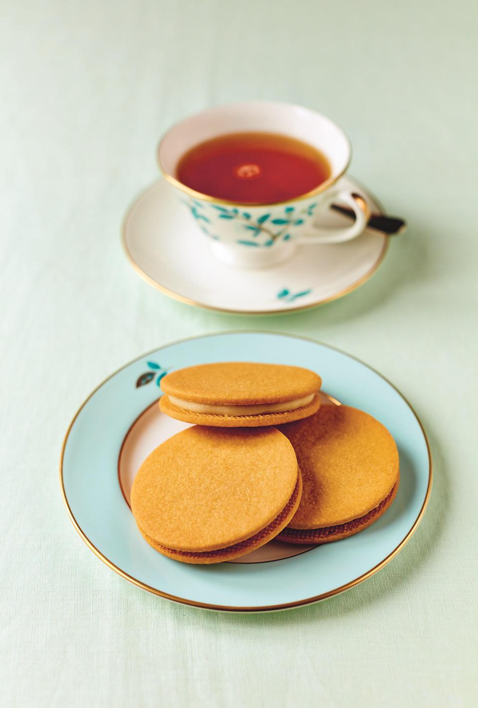 "A classic English sandwich cookie, these custard cremes have custard powder in the cookie dough, which makes them remarkably tender, delicate, and delicious. <a href=""https://www.epicurious.com/recipes/food/views/custard-creams-sandwich-cookie-fortnum-mason-tom-parker-bowles?mbid=synd_yahoo_rss"" rel=""nofollow noopener"" target=""_blank"" data-ylk=""slk:See recipe."" class=""link rapid-noclick-resp"">See recipe.</a>"