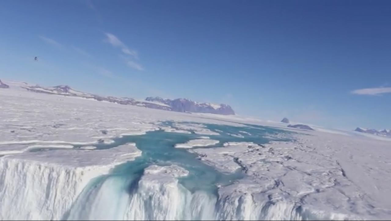Hundreds of Meltwater Streams Found Flowing Across Antarctica