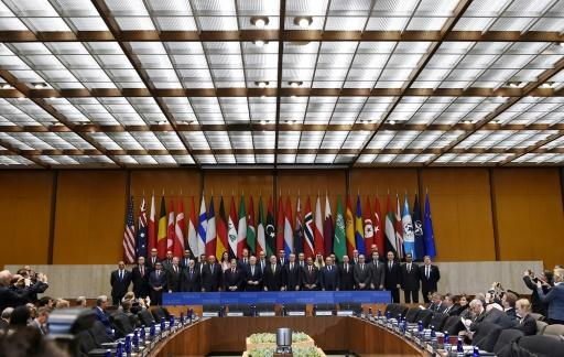 Senior officials of more than 30 countries pose before talks in Washington on fighting the Islamic State group