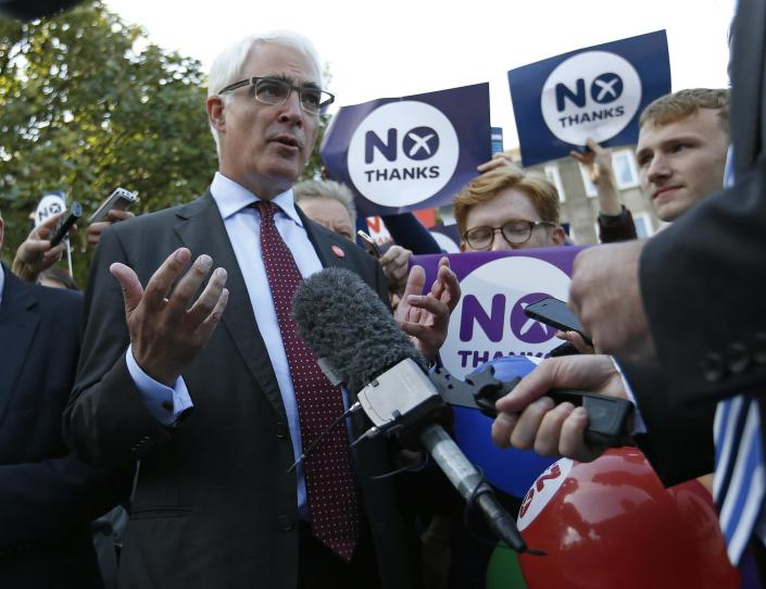 Alistair Darling, the leader of the campaign to keep Scotland part of the United Kingdom, campaigns in Edinburgh, Scotland September 8, 2014. The British pound slid and the stock market shuddered on Monday after an opinion poll showed that Scots may vote for independence next week in a referendum that could herald the break up of the United Kingdom. The referendum on Scottish independence will take place on September 18, when Scotland will vote whether or not to end the 307-year-old union with the rest of the United Kingdom. REUTERS/Russell Cheyne (BRITAIN - Tags: POLITICS ELECTIONS BUSINESS)