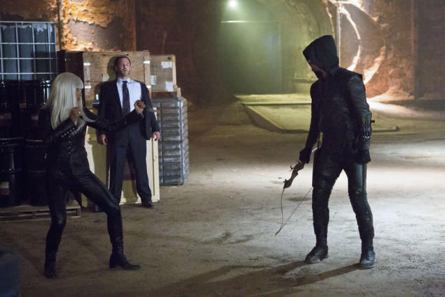 """""""Honor Thy Father"""" -- Kelly Hu as China White and Stephen Amell as Arrow"""