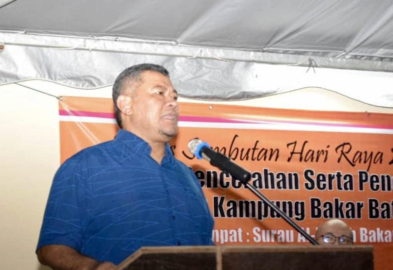 Johor Housing, Communication and Multimedia Committee chairman Dzulkefly Ahmad said the state government is committed to solving the problems of the villages here that have been the subject of a previous demolition exercise. — Picture courtesy of Amni Jagat
