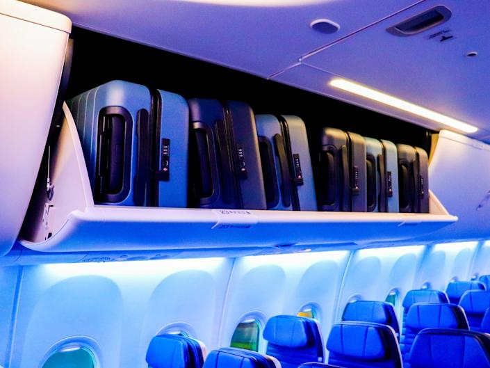 Inside a United Airlines Boeing 737 Max 8 with new interior - United Airlines New Aircraft Interior