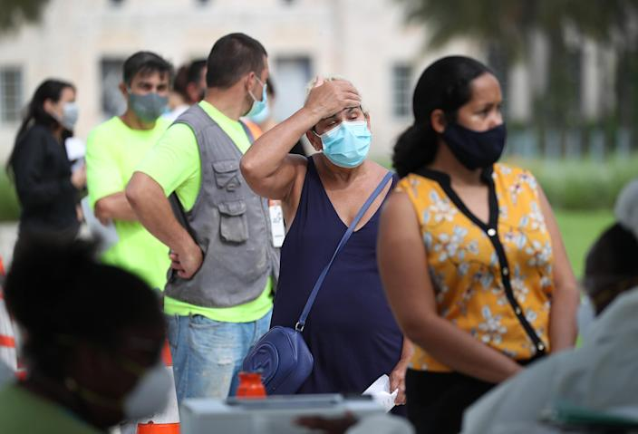 Image: Mobile Covid Testing Site Setup In Miami Beach (Joe Raedle / Getty Images)