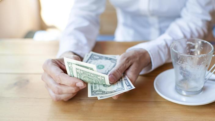 paying with cash avoiding debt