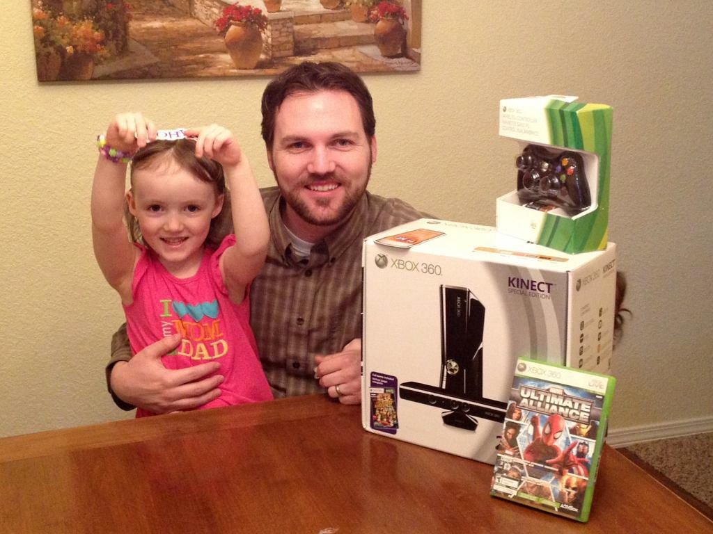 """<a href=""""https://twitter.com/#%21/Brandan_in_MT"""">@Brandan_in_MT</a> and his daughter are already huge fans of their Xbox 360 with Kinect prize pack from H2's """"<a href=""""http://tv.yahoo.com/ancient-aliens/show/46478"""">Ancient Aliens</a>."""""""
